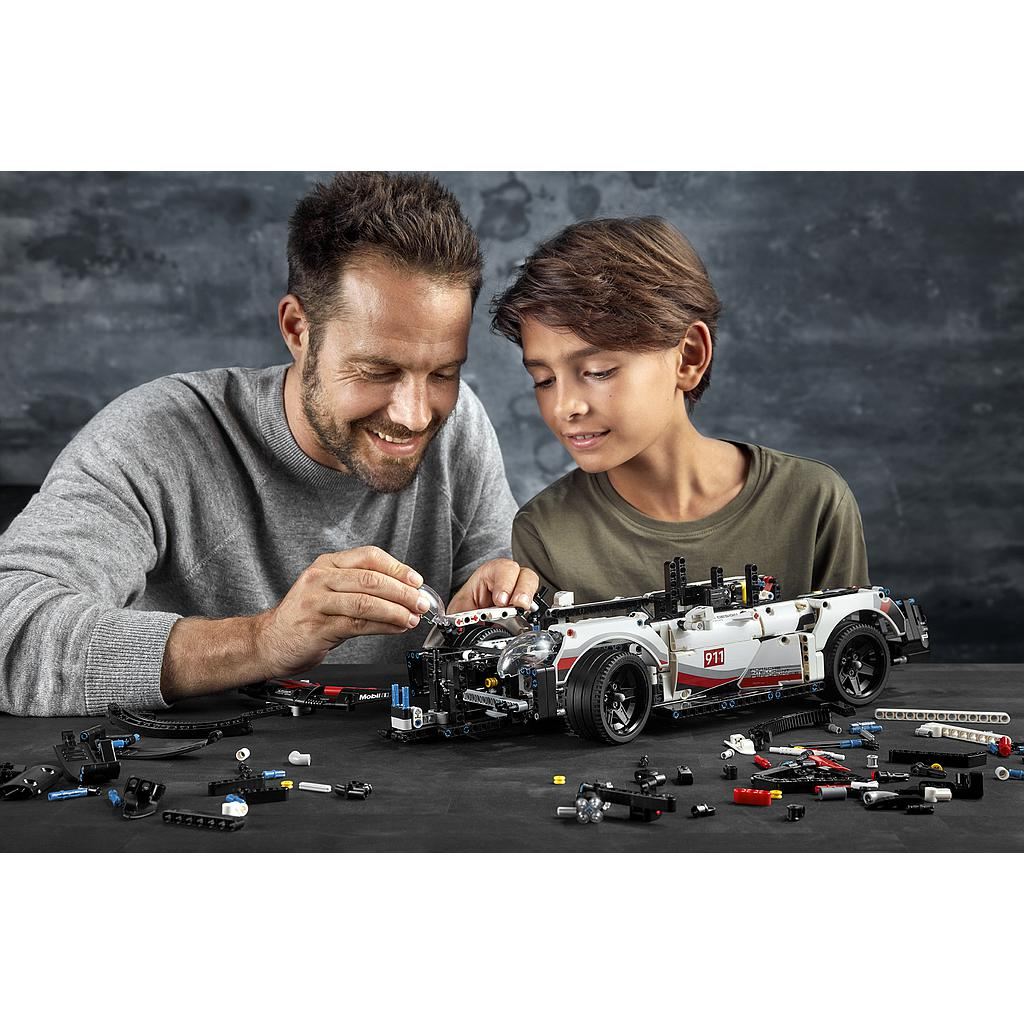 lego_technic_preliminary_gt_race_car_42096L-6.jpg