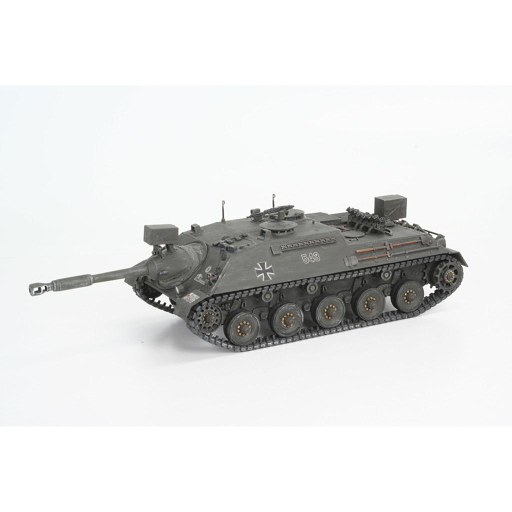 Revell plastic model Kanonenjagdpanzer + Observation Version (BeobPz) 1:35